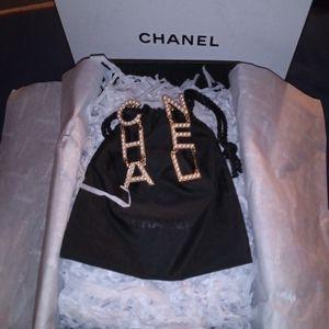 COPY - Chanel logo Drop Gold Pearl Earrings!